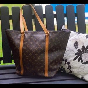 LV Sac Shopping Tote